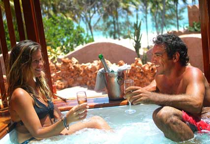 http://www.kenyatoursafariholidays.com/images/Honeymoon_Couple.jpg